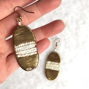 Jewelry - gold wire wrapped oval earrings w pearls